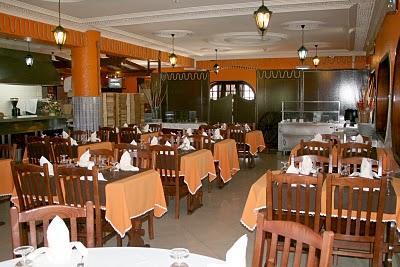 A party of one a party of two etc your english teacher for Mesas para restaurante usadas